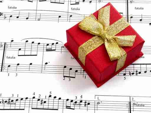 Musikgutschein unter dem Weihnachtsbaum